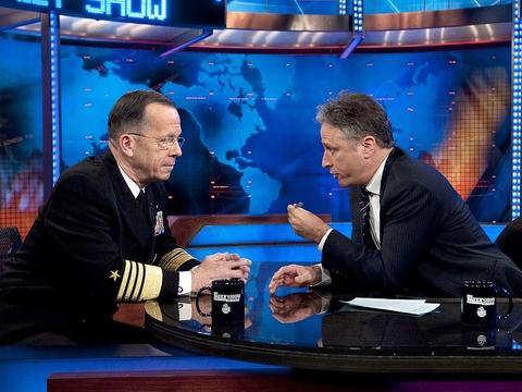Jon Stewart (th) som vært på The Daily Show